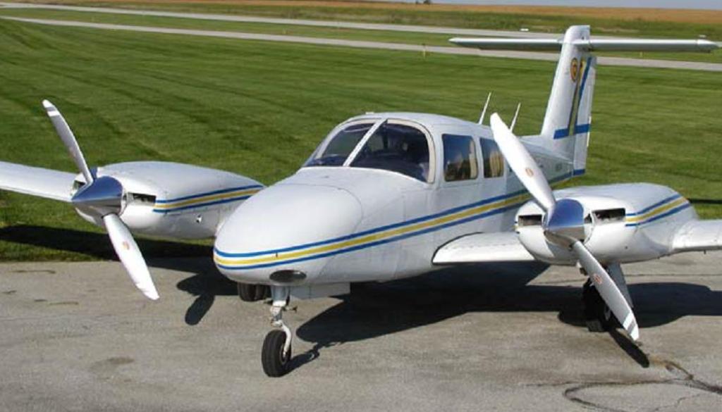 Hartzell Top Prop for a Piper PA44-180 Seminole. Propeller PartsMarket, Inc. 772-464-0088
