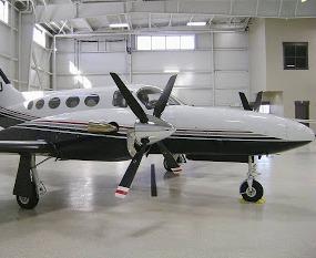 Cessna 425 Conquest I blackmac