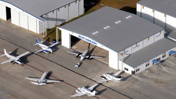 treasure coast international airport - 711×400